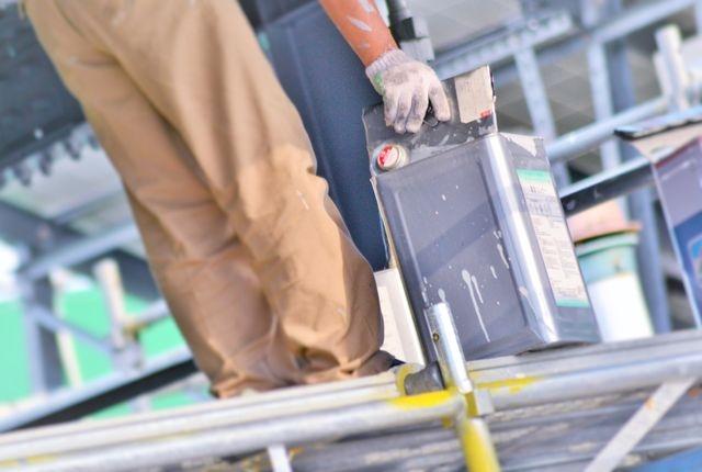 屋根塗料の種類の選び方は効果と耐用年数!理想に合う塗料の選び方
