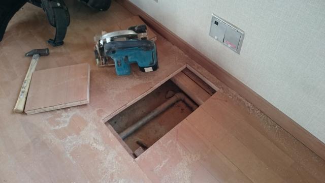 床下の水漏れは危険!水漏れにより受ける影響と修理方法と相場!