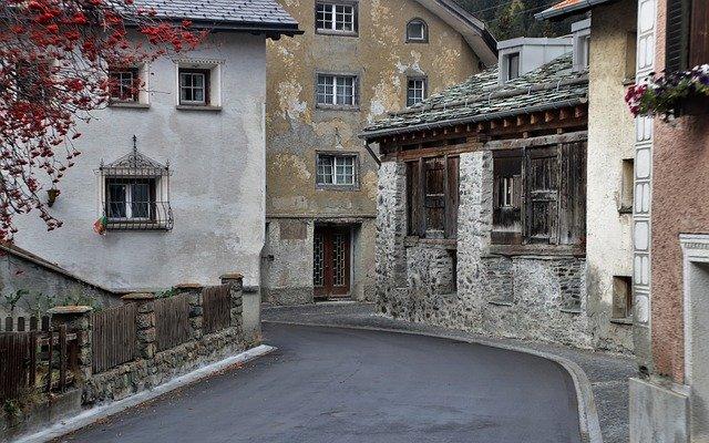 一戸建ての老朽化に目を向けよう!長く住み続ける為に建物の寿命を延ばす方法とは?