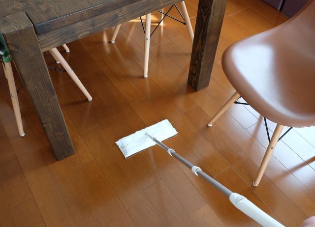 知っておくべきフローリング掃除のポイントとは?簡単に床を綺麗に掃除する方法をご紹介