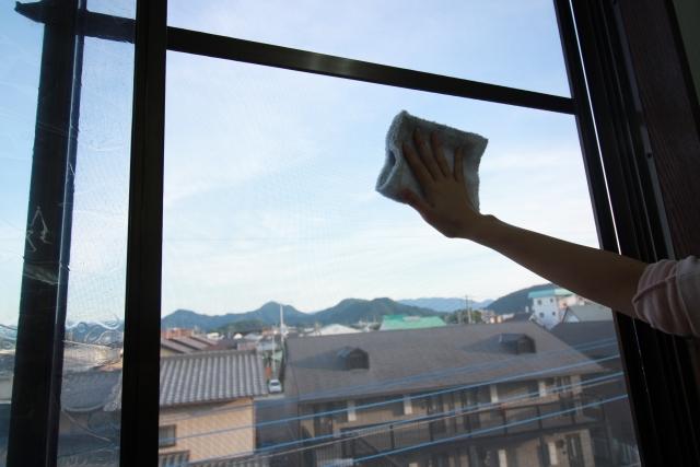 毎回の窓ガラス掃除を簡単にするには?